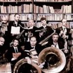 Gran finale delle Notti Blues di via Cavour con la Bandakadabra, giovedì 6 agosto